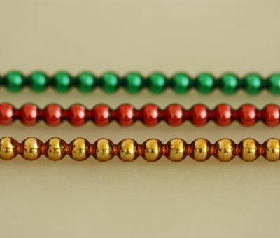 Kulatá 5 mm - lesk směs barev (12 ks, 24 perlí na klaučeti)