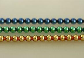 Kulatá 6 mm - lesk směs barev (6 ks, 20 perlí na klaučeti)